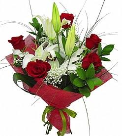 1 dal kazablanka 5 kırmızı gül buketi  Adana kaliteli taze ve ucuz çiçekler
