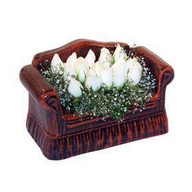 seramik içerisinde 11 gül  Adanada çiçekçiler hediye çiçek yolla