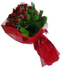 Adana çiçek yolla çiçek gönderme sitemiz güvenlidir  10 adet kirmizi gül demeti
