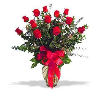 çiçek siparisi 11 adet kirmizi gül cam vazo  Adana online çiçek gönderme sipariş