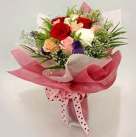 Karisik renklerde 11 adet gül buketi  Adana çiçek siparişi çiçek gönderme