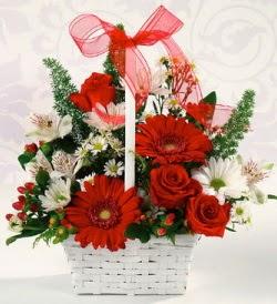Karışık rengarenk mevsim çiçek sepeti  Adana internetten çiçek siparişi