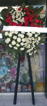 Cenaze çiçeği cenaze çiçek modelleri  Adana çiçek siparişi sitesi