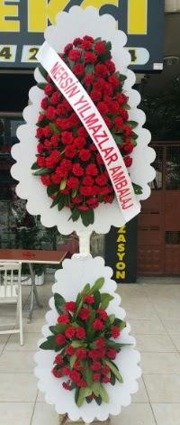 Çift katlı düğün nikah çiçeği modeli  Adanada çiçekçiler hediye çiçek yolla
