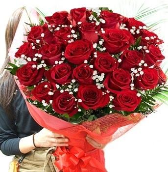 Kız isteme çiçeği buketi 33 adet kırmızı gül  Adana çiçek yolla çiçek gönderme sitemiz güvenlidir
